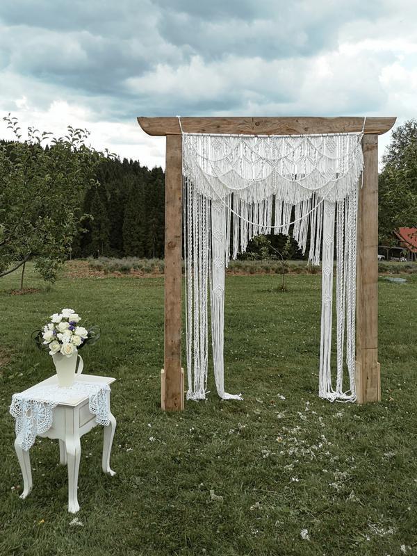 Весільна арка в стилі макраме