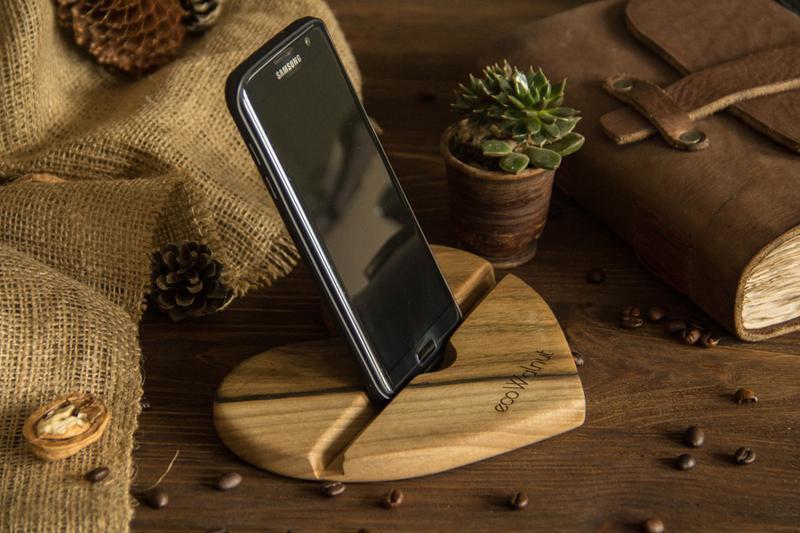 Настольный Органайзер На Рабочий Стол Сердце Для iPhone Android Телефонов Планшетов Из Дерева Ореха