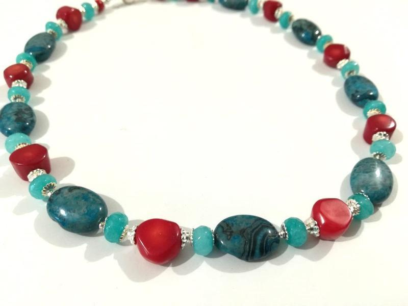Колье короткое Апатит - Коралл - Аквамарин, натуральный камень \ Sk - 0120