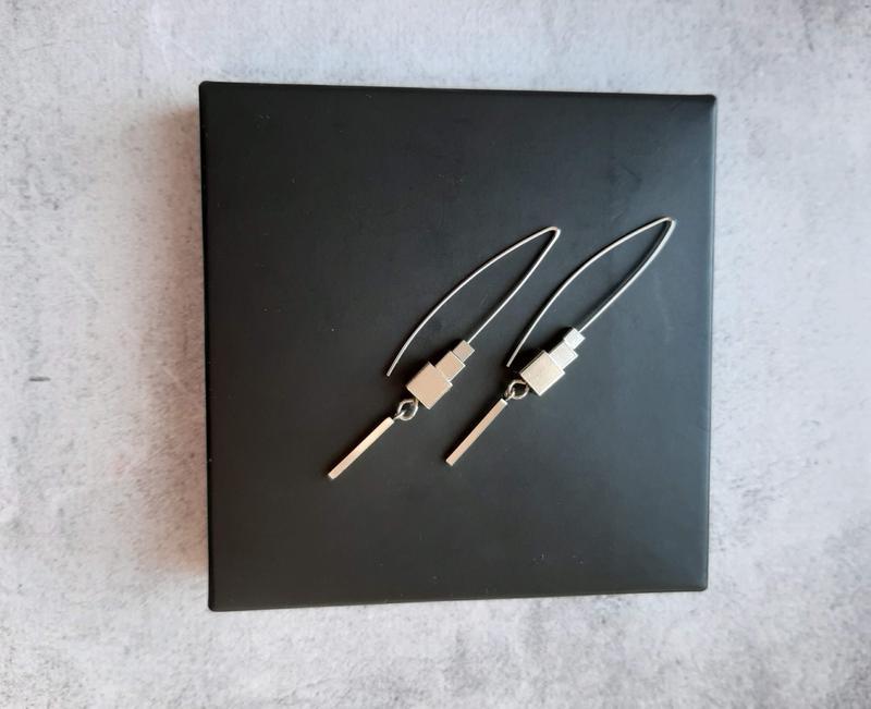 Стильные серьги геометрия. Серьги подвески. Длинные серьги. Оригинальные серьги. Идея подарка.