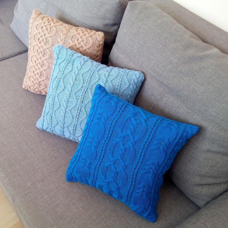 Декоративные подушки спицами своими руками 44