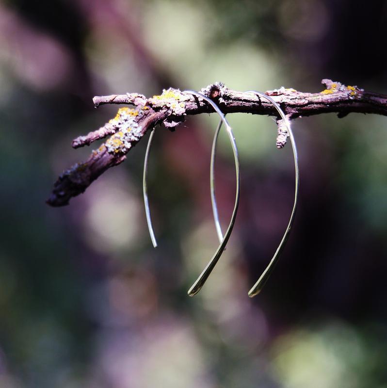 Серьги разомкнутые кольца с каплей