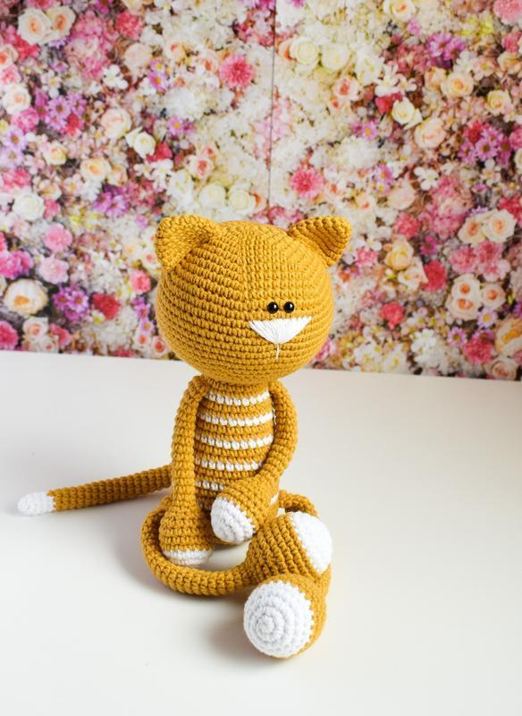 Вязаный кот. Первая игрушка. Эко-игрушка. Интерьерная игрушка. Подарок новорожденному.