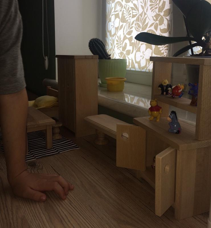 Деревянный игрушечный шкаф буфет. / Мебель для игр.