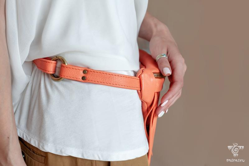Коралловая бананка, Поясная сумка с бахромой, Кожаная сумка на пояс