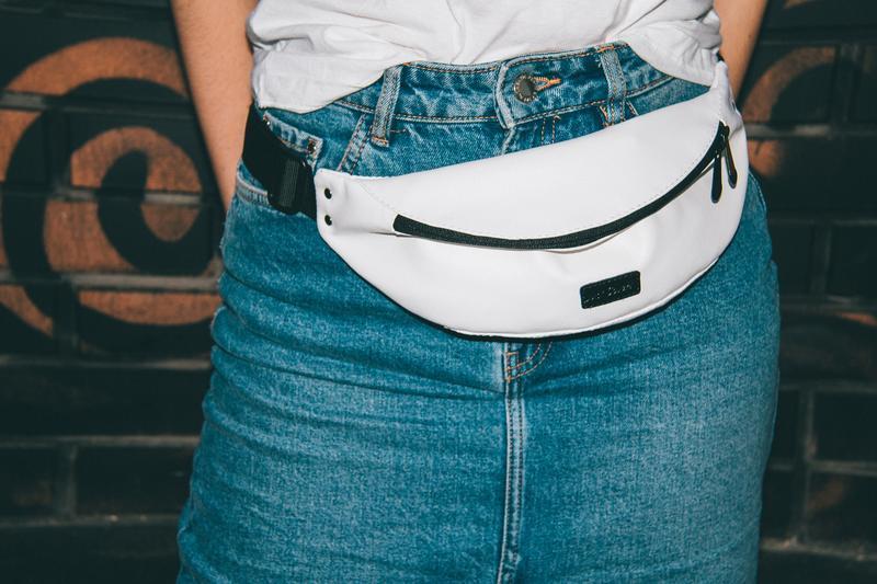 Поясная сумка (Бананка) Белая Just Cover!