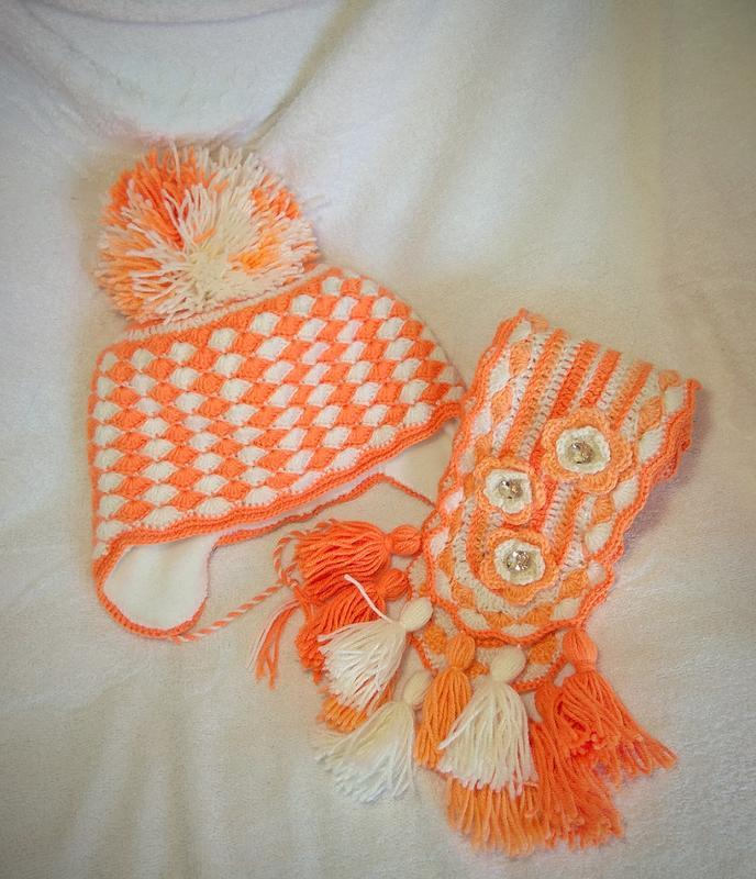 "Набор из шапочки и шарфика ""Солнышко"". Теплая шапка и шарф. Зимняя шапка. Шарф."