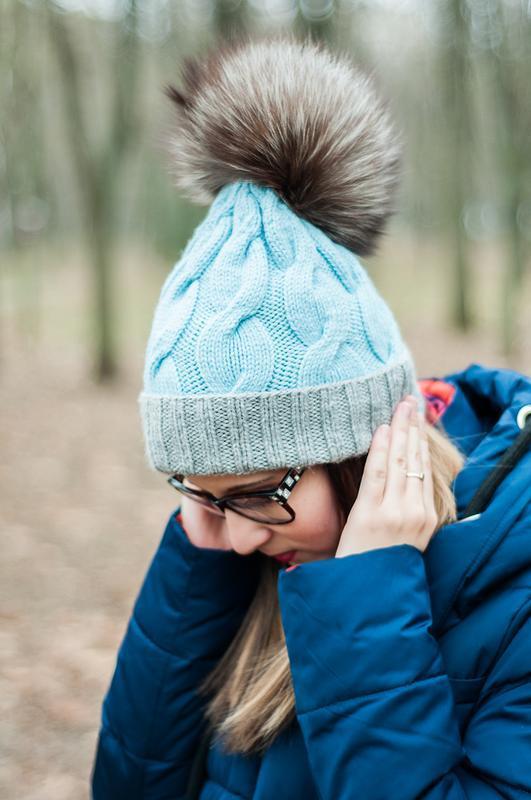 Двухцветная шапка с косами и помпоном