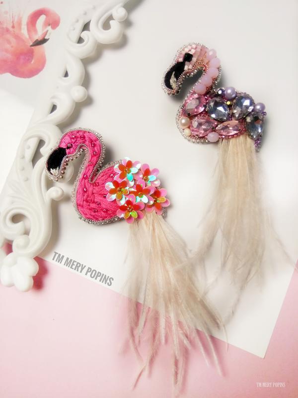 Брошь Фламинго с цветами