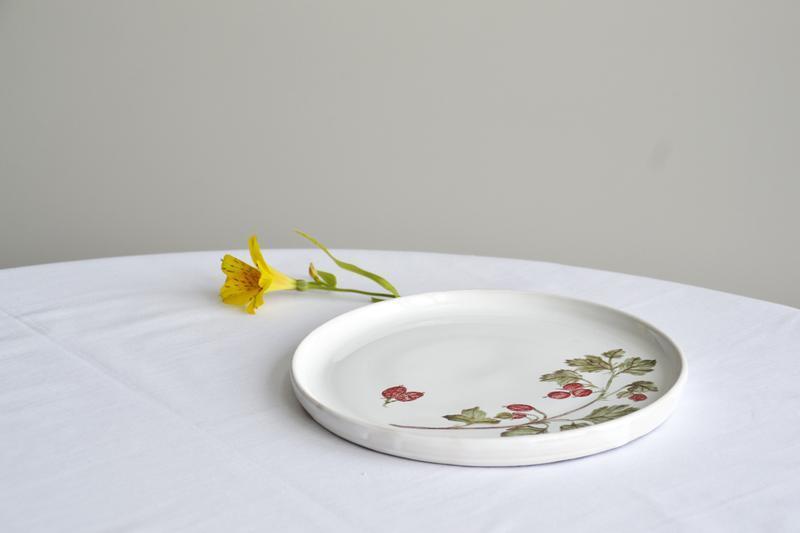 Тарелка с крыжовником. 22,5 см