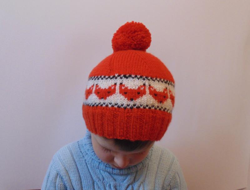 Детская шапка лисички с помпоном
