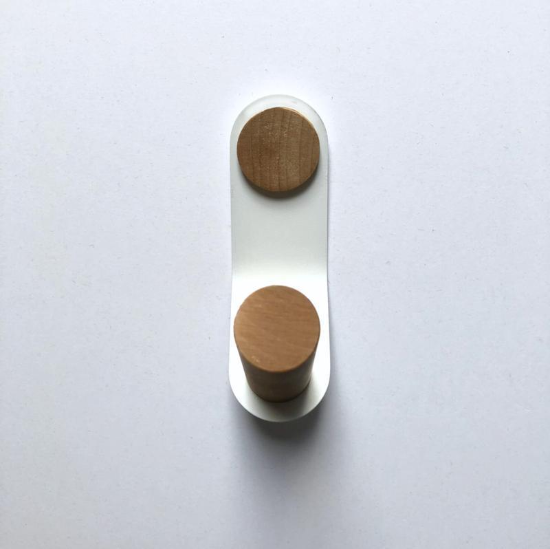 Крючок настенный - металл дерево, Скло+Глас