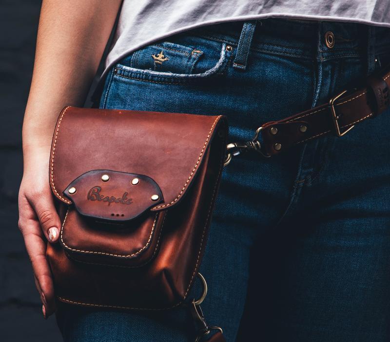 Кожаная сумка на бедро  /Женская набедренная сумка из кожи/Сумка кожаная на ногу