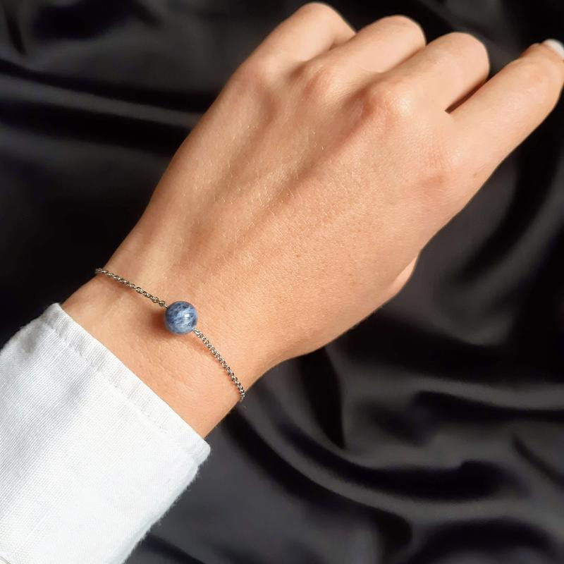 Браслет с содалитом. Стильный браслет. Женский браслет. Подарок.