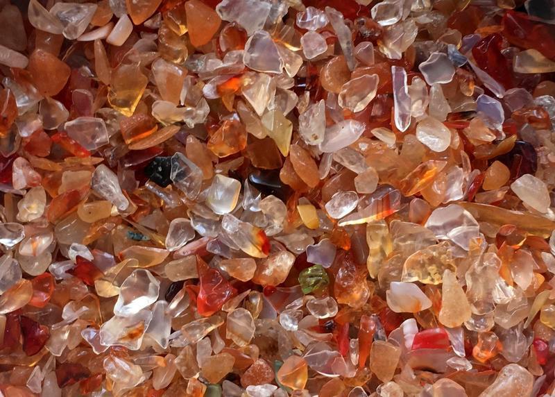 Натуральный камень крошка скол без отверстия Сердолик 3-8 мм в упаковке 10 грамм