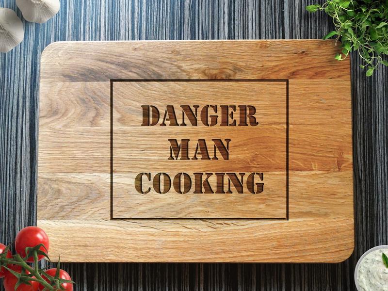 "Обробна дошка ""Danger man cooking"""