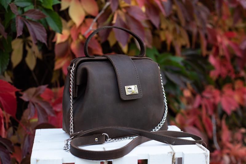Кожаная сумка-саквояж «София» в темно-коричневом цвете 0028