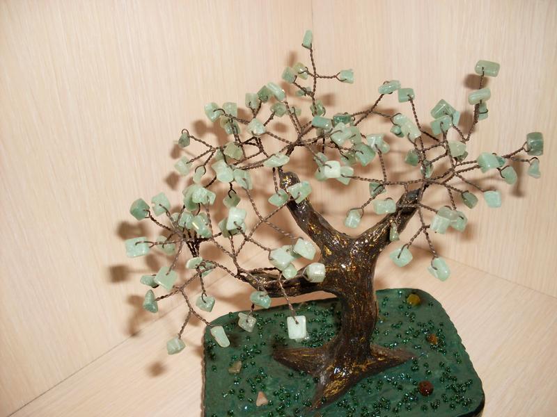 дерево з натурального каменю