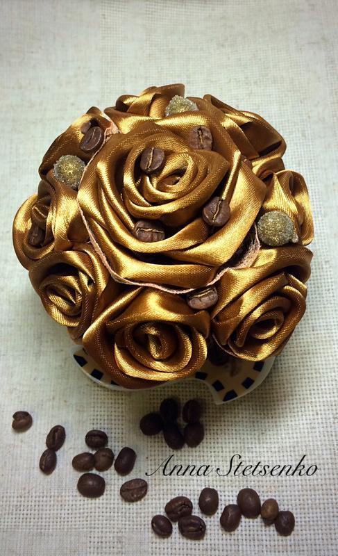 Троянди в чайній парі для любителів кави