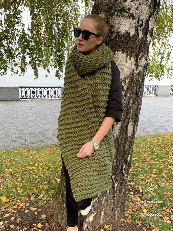 Длинный шерстяной шарф