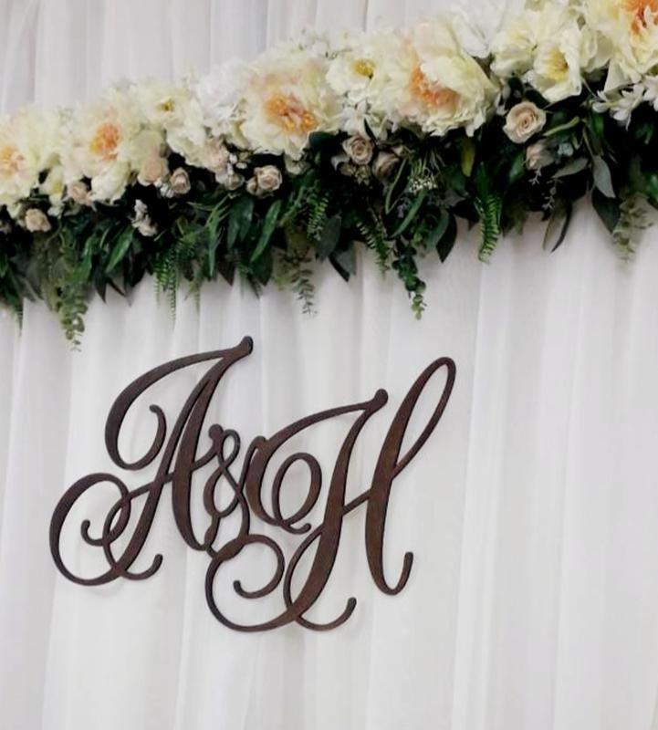 Инициалы резные из дерева на свадьбу 80х48 см