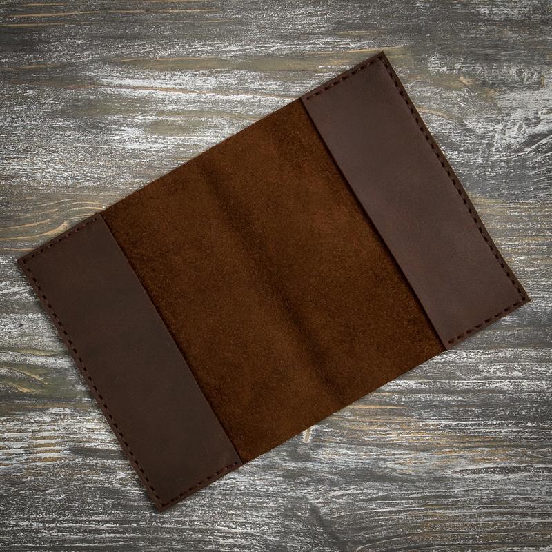 Коричнева коричнева обкладинка на паспорт
