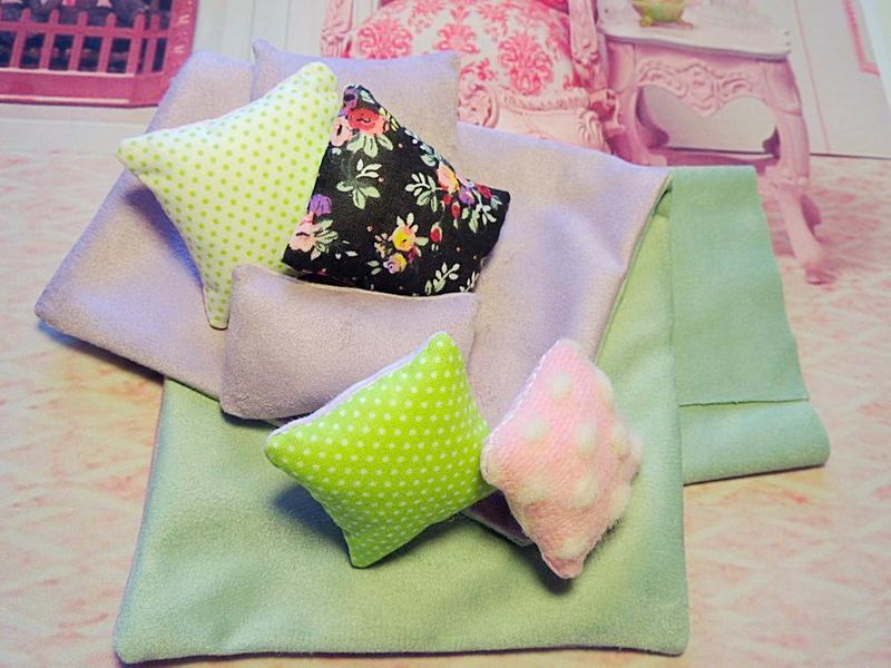 Ліжко для ляльок і ведмедиків 20-33 см (Monster High, Blythe, Barbie, Teddy Bears)