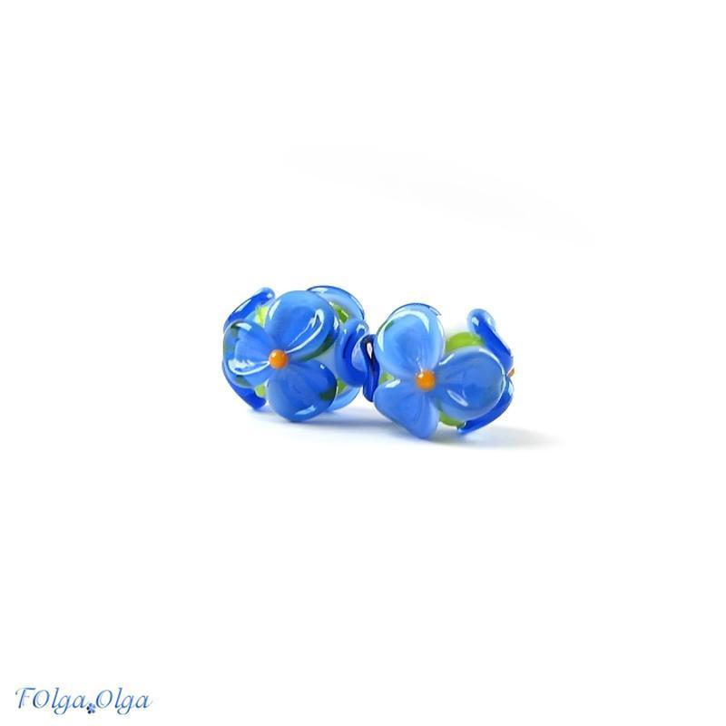 Квіти сині на білому (намистини лемпворк пара)