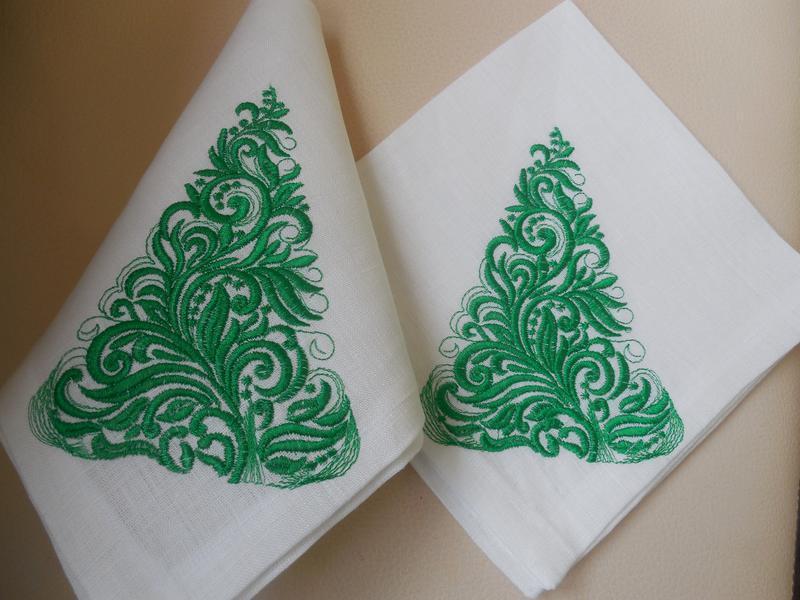"""Комплект новорічних серветок """"Ялинка"""" з бавовни з вишивкою ручної роботи 6 шт."""