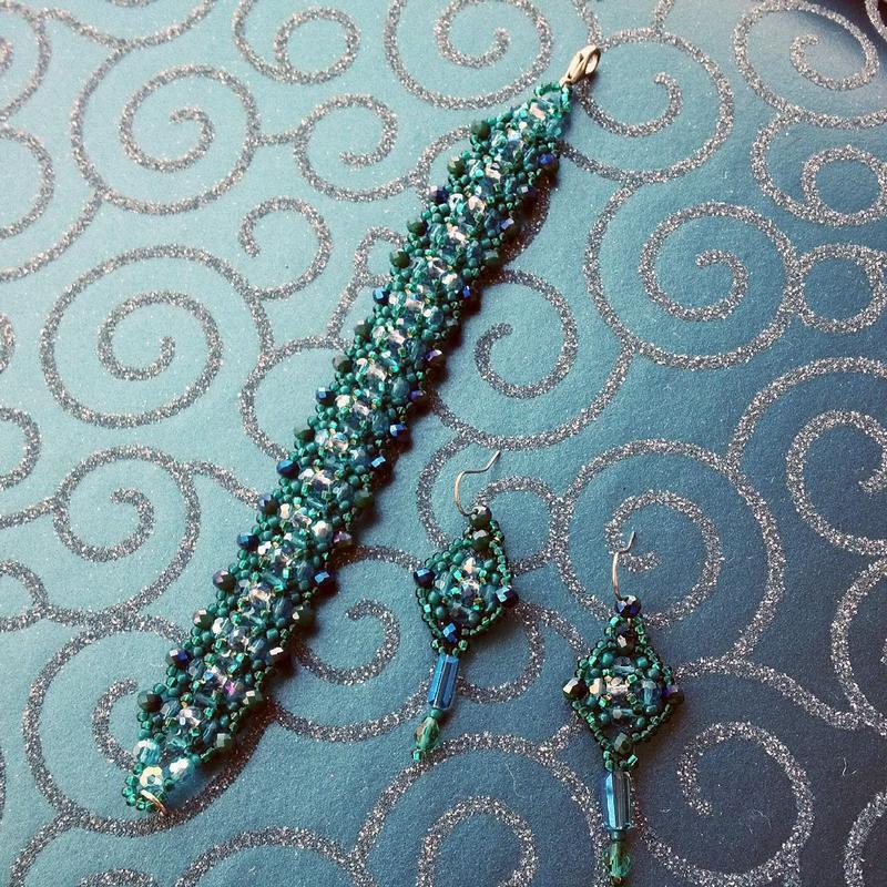 Браслет і сережки з темно-бірюзового кольору