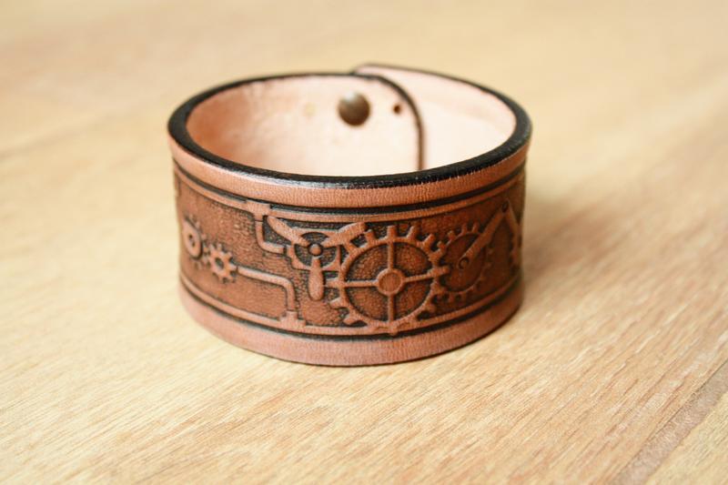 Шкіряний браслет для чоловіків (12 кольорів) браслет з шкіри чоловічий, з тисненням механізми