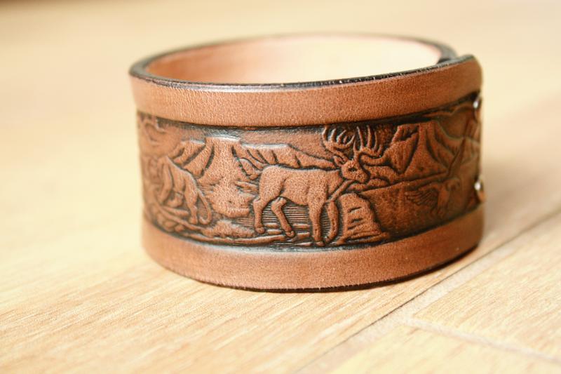 Шкіряний браслет для чоловіків (12 кольорів), браслет зі шкіри чоловічий, з тисненням дика природа.
