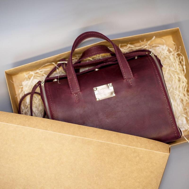 Кожаная сумка марсала. Бордавая кожаная сумка. Кожаная сумка органайзер.