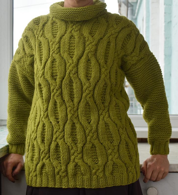 Зелений светр