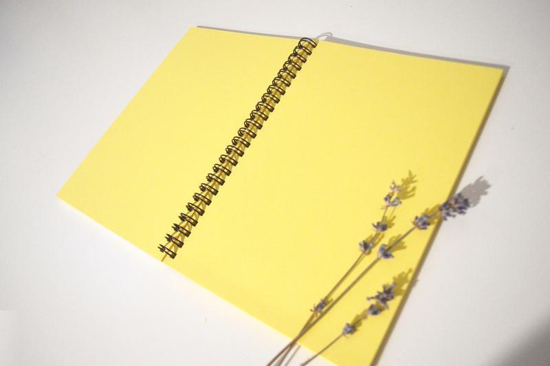 скетчбук Север с желтыми страницами. Формат А5.