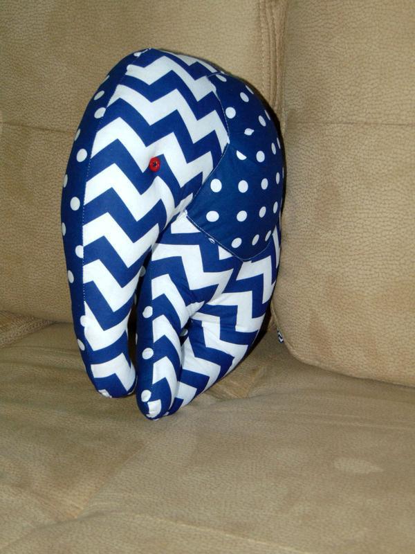 Двостороння декоративна подушка ручної роботи СЛОНИК
