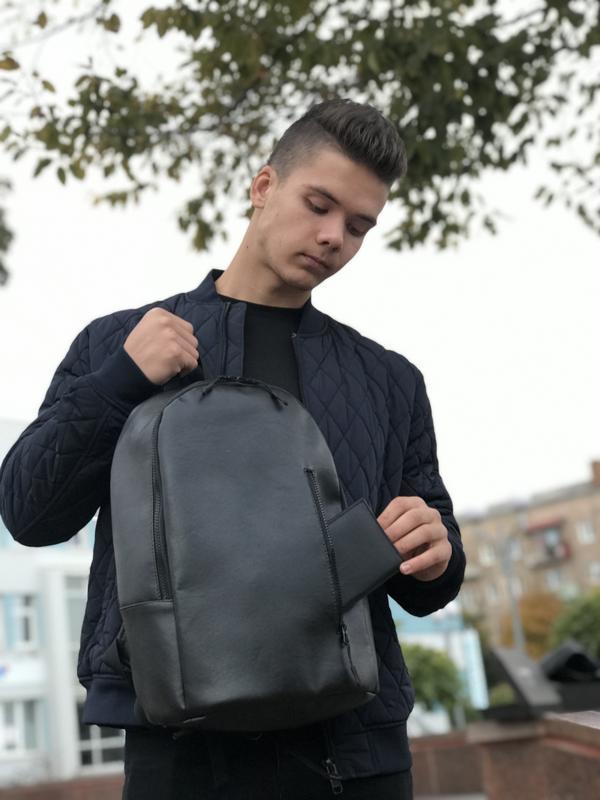 Черный рюкзак минімалізм из эко кожи