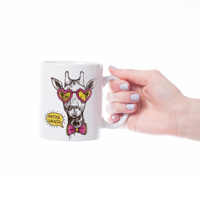 "Чашка с принтом ""Жираф-хипстер"""