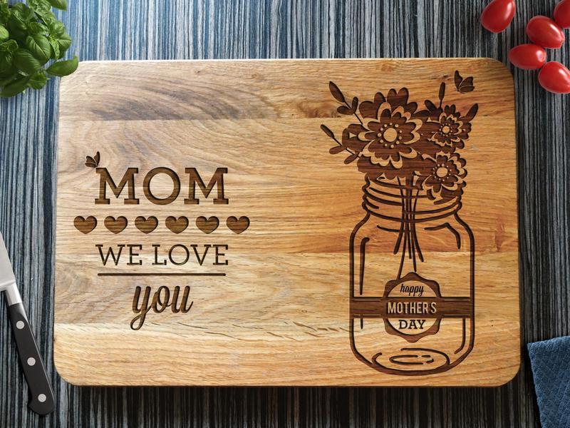 "Кухонна дошка ""Mom we love you"", подарунок мамі"