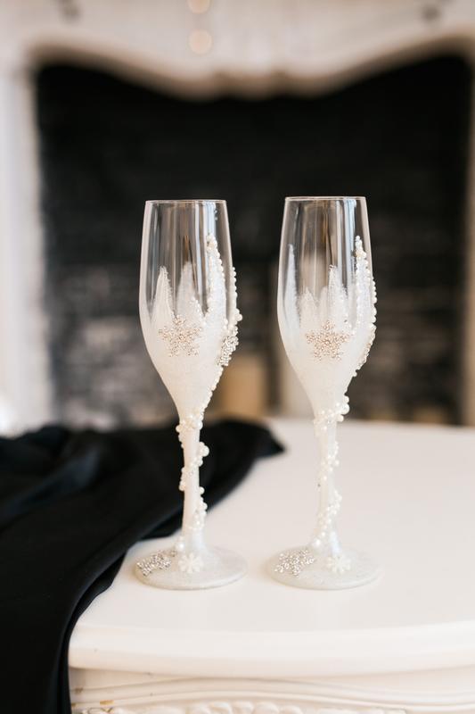 Свадебные бокалы  Белая изморозь