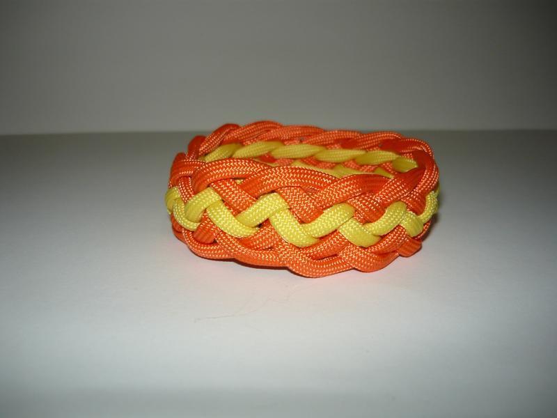 """Браслет виживання з паракорда """"Pineapple knot"""""""