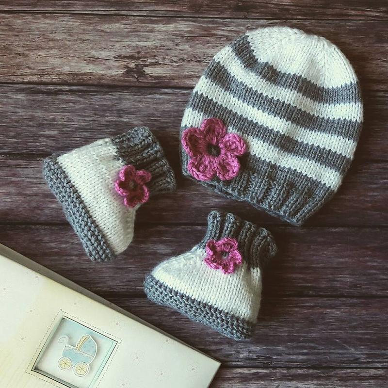 Мій квіточку - шапочка і пінетки для малятка в подарунковій коробці