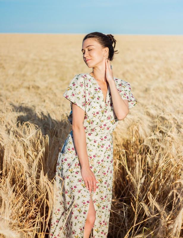 Платье из льна в цветочный принт, льняное платье в цветочный принт, длинное платье из льна
