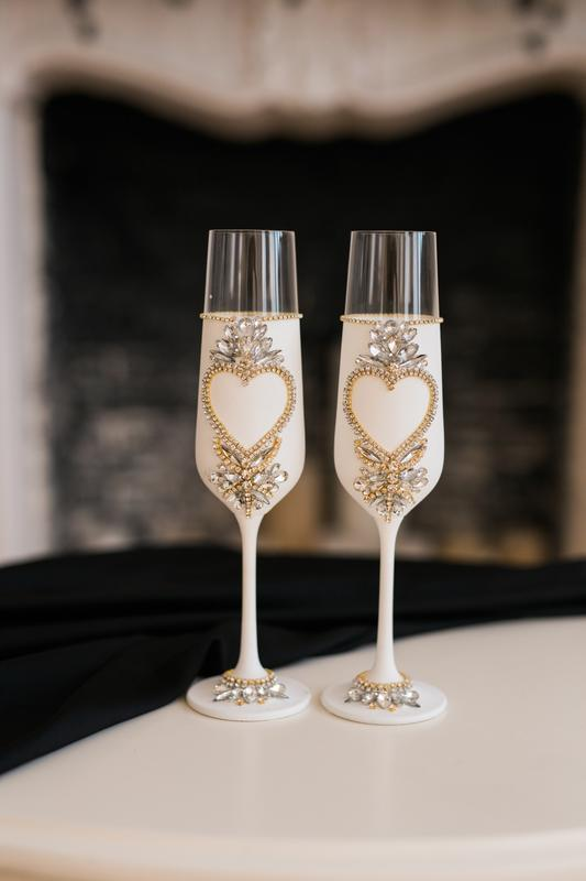 Свадебные белые бокалы Сердце