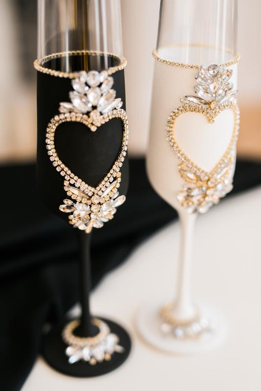 Свадебные черные бокалы Сердце