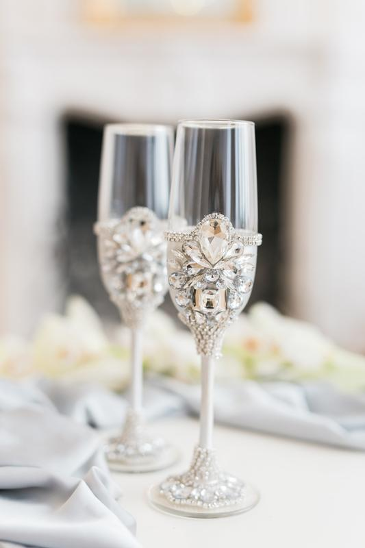 Свадебные бокалы серебряного цвета Белый сапфир