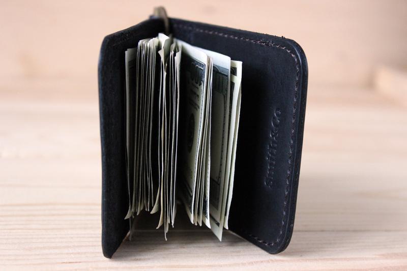 Зажим для денег кожаный. Мужской прижим для денег. Клипса для денег. Зажим с гравировкой. Черный