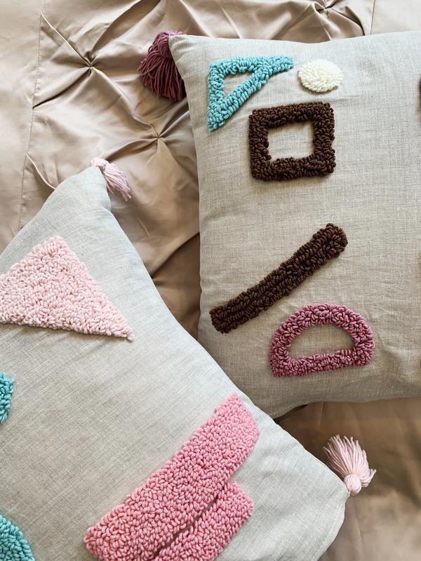 Декоративная подушка в стиле Punchneedle