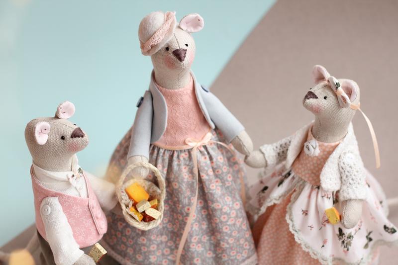 Семья Мышек- символ года 2020