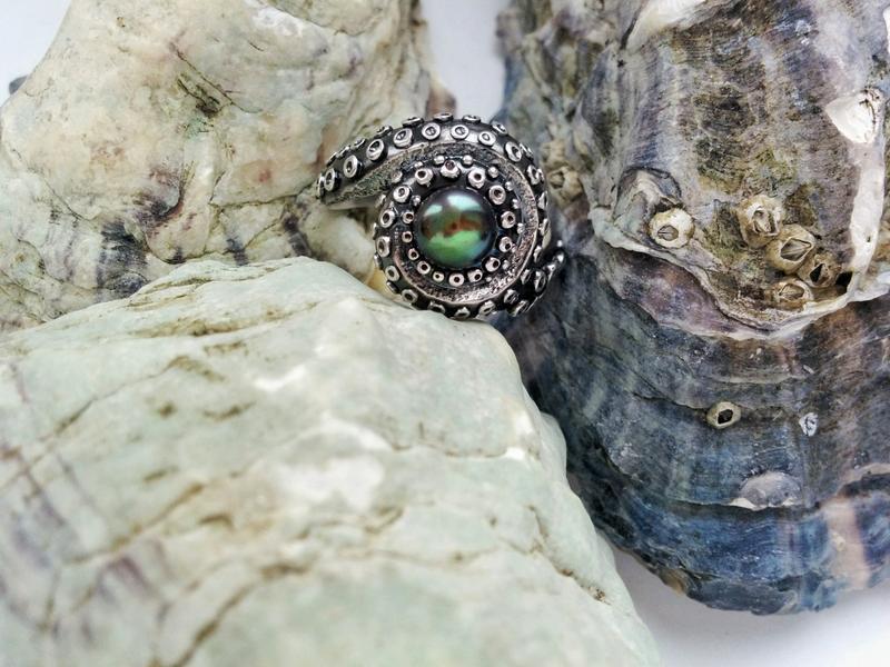 Альберт, серебряное кольцо-осьминог с жемчужиной